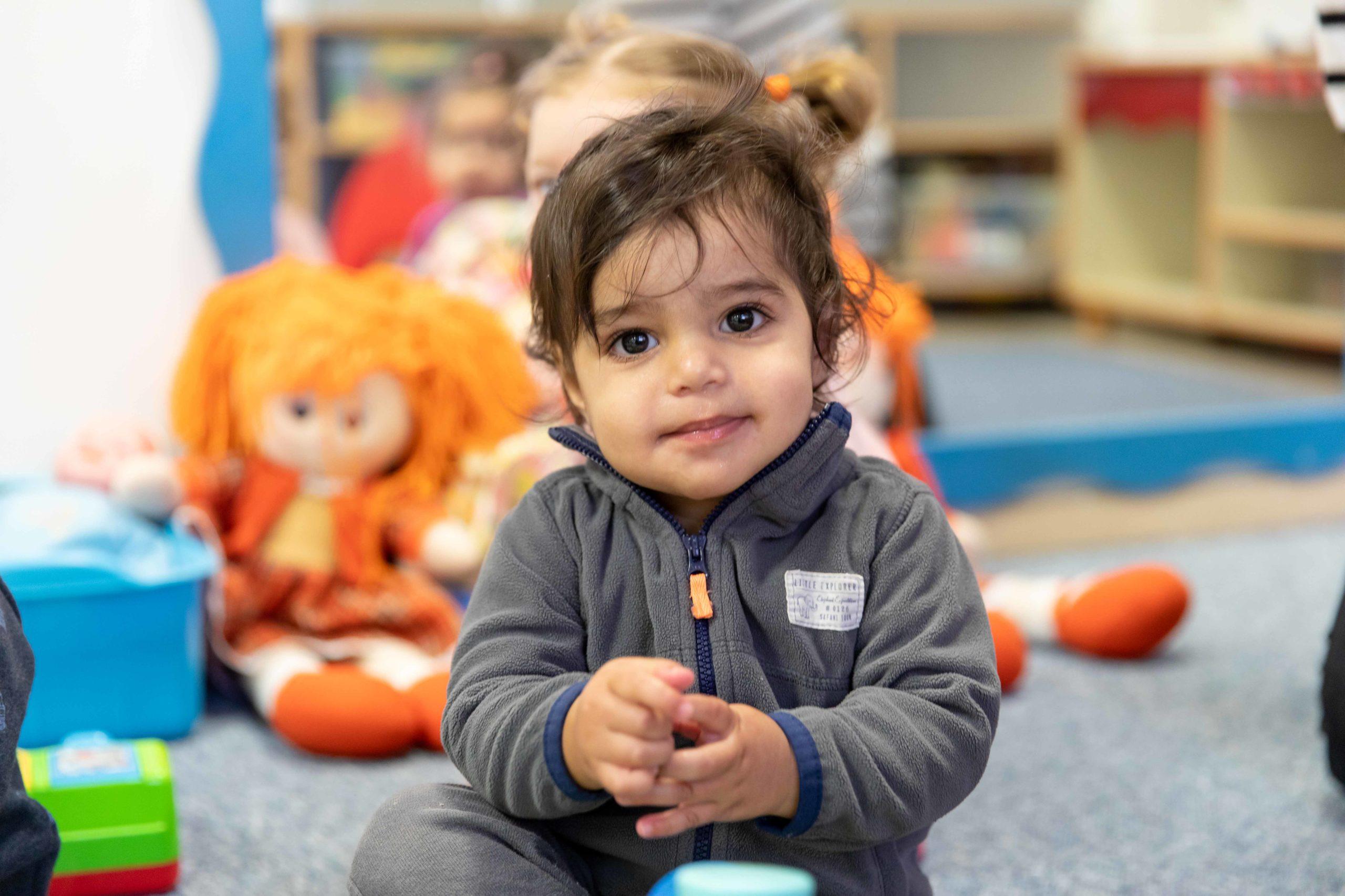 Litet barn på WIZO-daghem