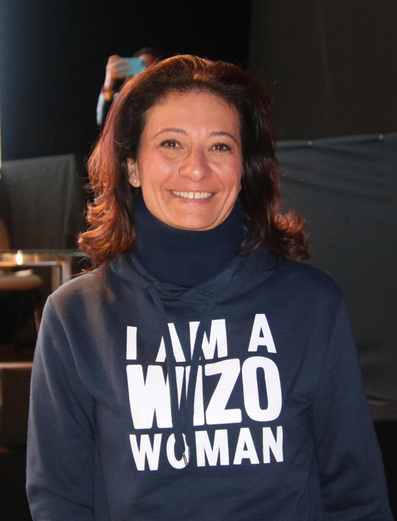 Kvinna med t-shirt I am a WIZO Woman